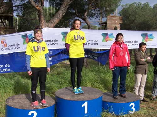 UNIVERSIpODIUM CHICASCyL 2013