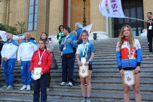 Podium Laura WSCO larga